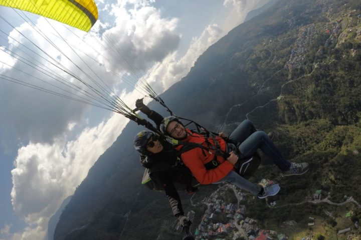 Smile and share your paragliding adventure in Gangtok